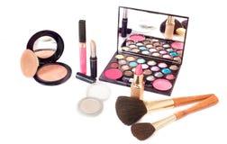 Cepillo y cosmético del maquillaje imágenes de archivo libres de regalías