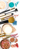 Cepillo y cosméticos del maquillaje, Fotografía de archivo