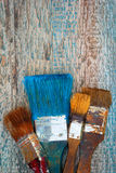 Cepillos de pintura viejos imágenes de archivo libres de regalías