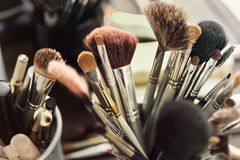 Cepillos del cosmético para el maquillaje Fotografía de archivo