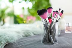 Cepillos del maquillaje en tenedor Imagen de archivo libre de regalías