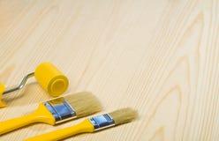 Cepillos y paintroller de Copyspace Imágenes de archivo libres de regalías