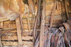 Ceppi della sella del cuoio della puntina del cavallo Immagini Stock