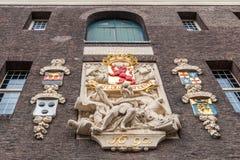 Cerámica de Delft del escudo de armas, Armamentarium Ordinum Hollandia Imagen de archivo