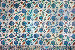 Cerámica de Iznik con diseño floral Fotos de archivo libres de regalías