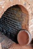 Cerámica quemada y horno de cerámica Fotografía de archivo