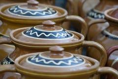 Cerámica rústica tradicional de Rumania fotos de archivo