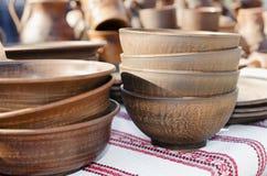 Cerámica, recuerdos hechos a mano tradicionales en la tabla Artes Fai foto de archivo libre de regalías