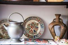 Cerámica rumana tradicional de la loza de barro en Buzau - Rumania fotos de archivo libres de regalías