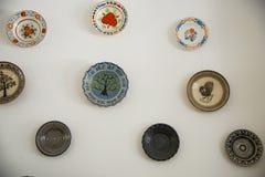 Cerámica rumana tradicional de la loza de barro en Buzau - Rumania imágenes de archivo libres de regalías