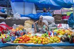 A cerâmica colorida é vendida no Baishakhi longo de três dias Fotografia de Stock Royalty Free