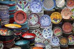 Cerâmica no bazar em Istambul foto de stock royalty free