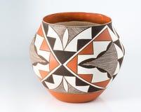 Cerâmica tradicional do povoado indígeno do nativo americano. imagens de stock royalty free