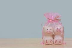 Cerâmico leitão cor-de-rosa imagens de stock royalty free