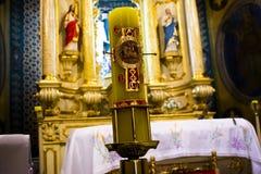 cera cattolica davanti a questo altare santo Fotografia Stock Libera da Diritti