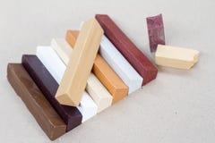 Cera coloreada para la restauración de los muebles Reparación de los muebles Imágenes de archivo libres de regalías