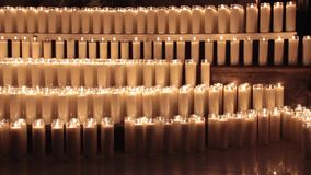 A cera iluminada candles o vídeo filme