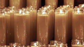 A cera iluminada candles o vídeo vídeos de arquivo