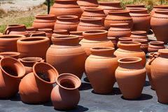 Ceramic pots in market Royalty Free Stock Photos