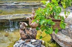 Ceramiczna glina w basenie Obrazy Royalty Free