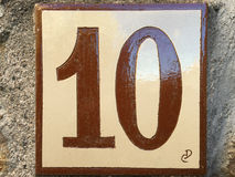 Ceramiczna płytka z liczbą dziesięć 10 Zdjęcia Stock