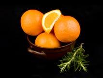 ceramiczne puchar pomarańcze Obrazy Stock