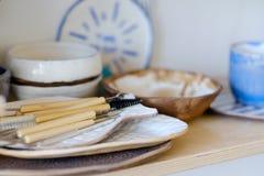 Ceramicznego instrumentu crockery podstępny handmade projekt zdjęcie royalty free