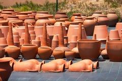 Ceramiczni garnki w rynku Zdjęcia Stock