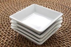 ceramiczni zbiorniki obciosują biel Zdjęcia Stock