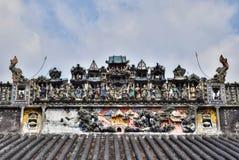 Ceramiczny grzebień na dachu taoist świątynia Zdjęcie Royalty Free