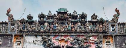Ceramiczny grzebień na dachu taoist świątynia Fotografia Stock
