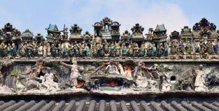 Ceramiczny grzebień na dachu taoist świątynia Obrazy Stock