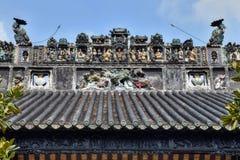Ceramiczny grzebień na dachu taoist świątynia Zdjęcie Stock