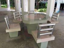 Ceramiczny stół i krzesła fotografia royalty free