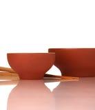 Ceramika puści azjatykci puchary i drewniani chopsticks zdjęcia royalty free