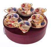 Ceramiki herbaciana filiżanka ustawiająca na tle zdjęcie stock
