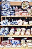 Ceramisch aardewerk voor verkoop stock afbeeldingen