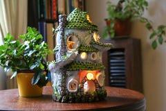 Ceramisch die poppenhuis van klei wordt gemaakt royalty-vrije stock foto