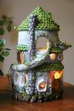 Ceramisch die poppenhuis van klei wordt gemaakt royalty-vrije stock afbeelding