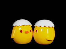 Ceramisch Doll van twee Levendig Geel het Kussen Babykuikens Stock Afbeeldingen
