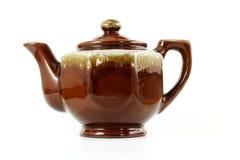 Ceramische bruine die Theepot op wit wordt geïsoleerd royalty-vrije stock foto's