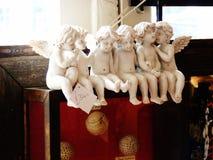 Ceramische cherubijnen in een antieke winkel Royalty-vrije Stock Foto