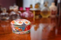 Ceramische juwelendoos stock foto's