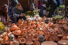 Ceramische kommen voor het koken van tagine Stock Foto