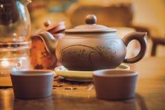 Ceramische theepot met koppen van Chinese thee Royalty-vrije Stock Foto