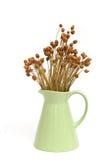 Ceramische uitstekende vaas met droge bloem Royalty-vrije Stock Afbeeldingen