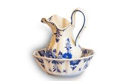 Ceramische waterwaterkruik en kom Royalty-vrije Stock Afbeeldingen