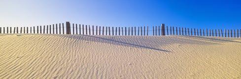 Cerca ao longo da praia Imagens de Stock Royalty Free