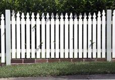 Cerca blanca del jardín Imagen de archivo