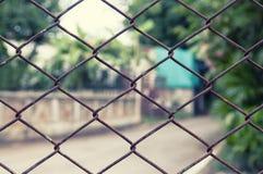 Cerca da rede de arame do close-up com oxidação Imagens de Stock